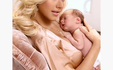 Christina Aguilera torna a parlare dei suoi chili