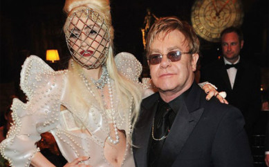 """Elton John preoccupato per Lady Gaga:""""Soffre ancora di disturbi alimentari"""""""
