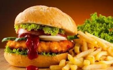 Il cibo spazzatura crea dipendenza e depressione