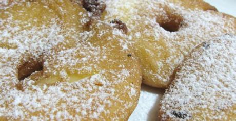 Frittelle di mele (Kcal 350 ca per 100 gr)