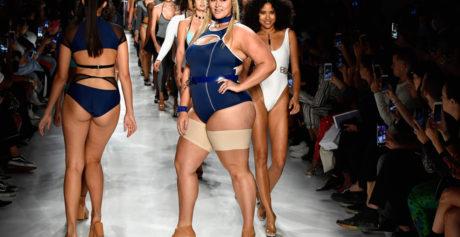 "New York Fashion Week: presentate le ""Bandelettes"", le nuove calze anti-sfregamento"